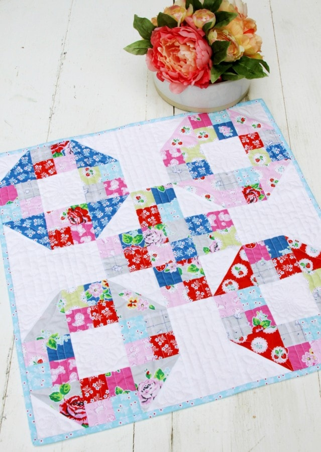 Strawberry-Biscuit-Fabric-Mini-Quilt-639x900