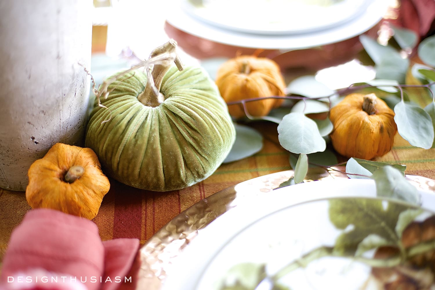 Autumn Color in a Fall Tablescape | Designthusiasm.com