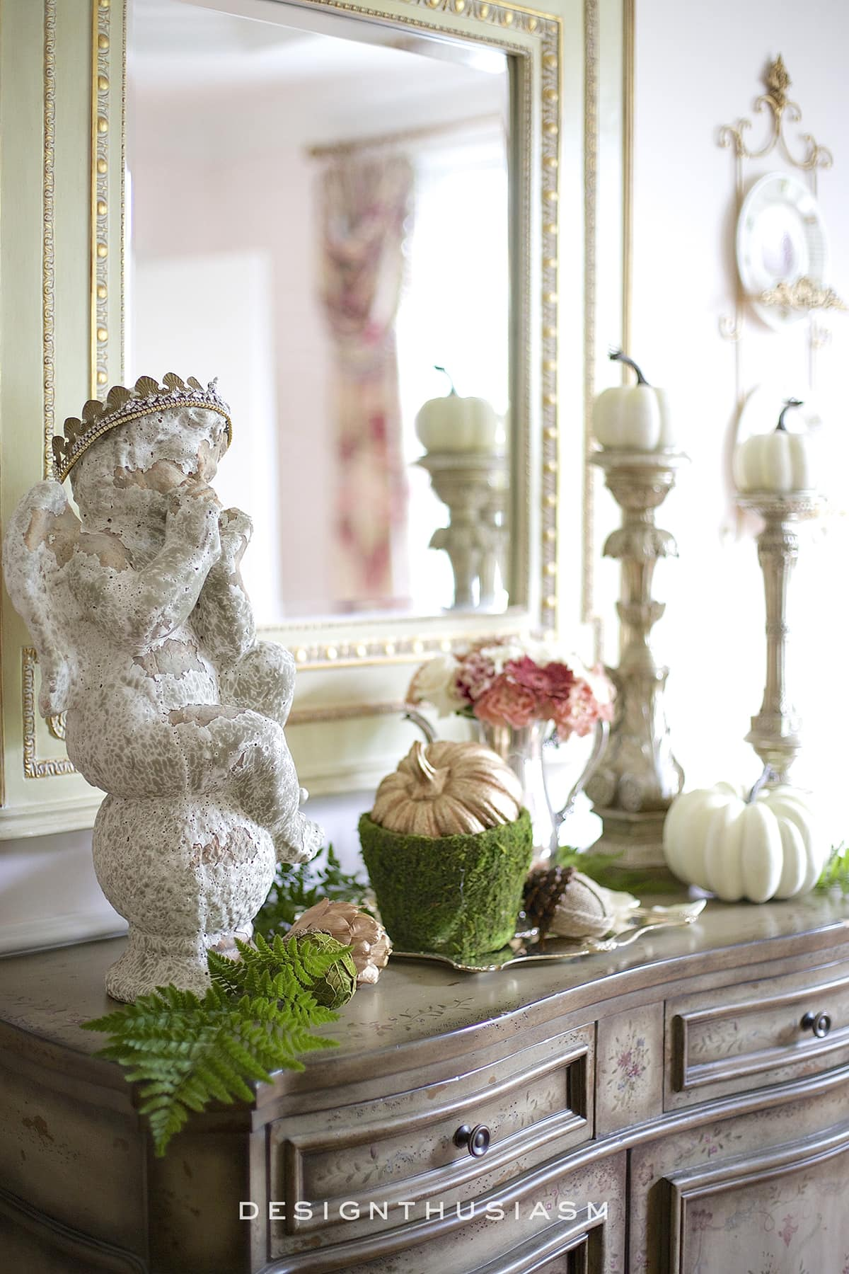Fall Vignette in the Dining Room | Designthusiasm.com