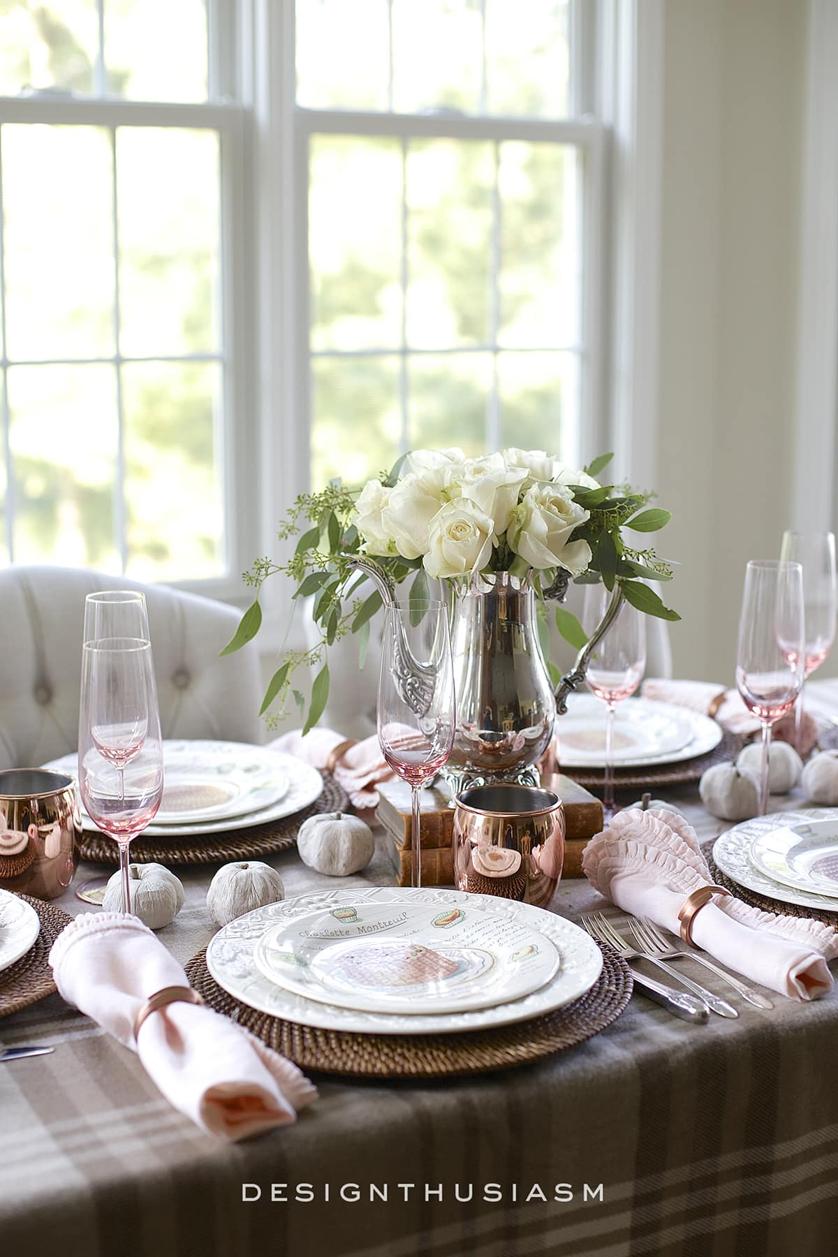 A Soft and Neutral Fall Table Setting | Designthusiasm.com
