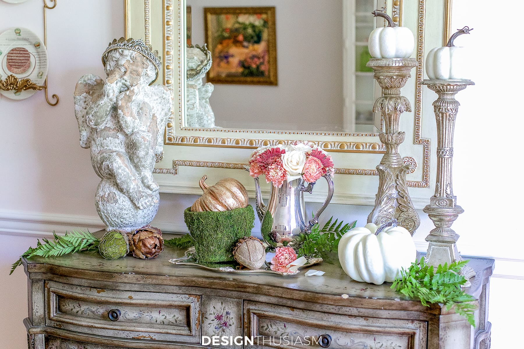 fall decor in a vignette