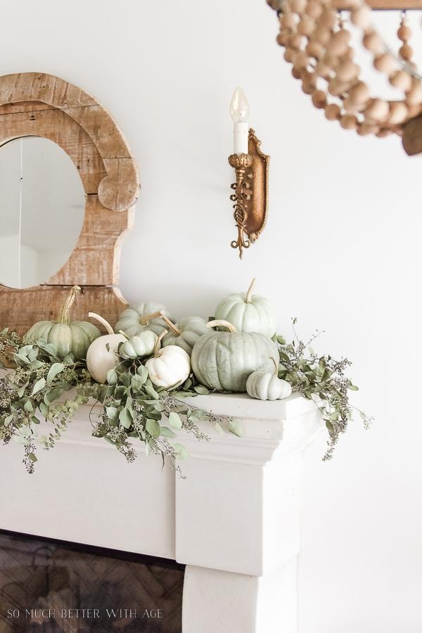 heirloom-pumpkins-eucalyptus-on-mantel