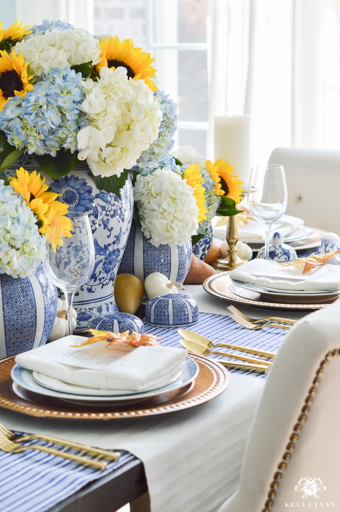 blue-and-white-thanksgiving-table-idea-with-sunflowers-and-hydrangeas