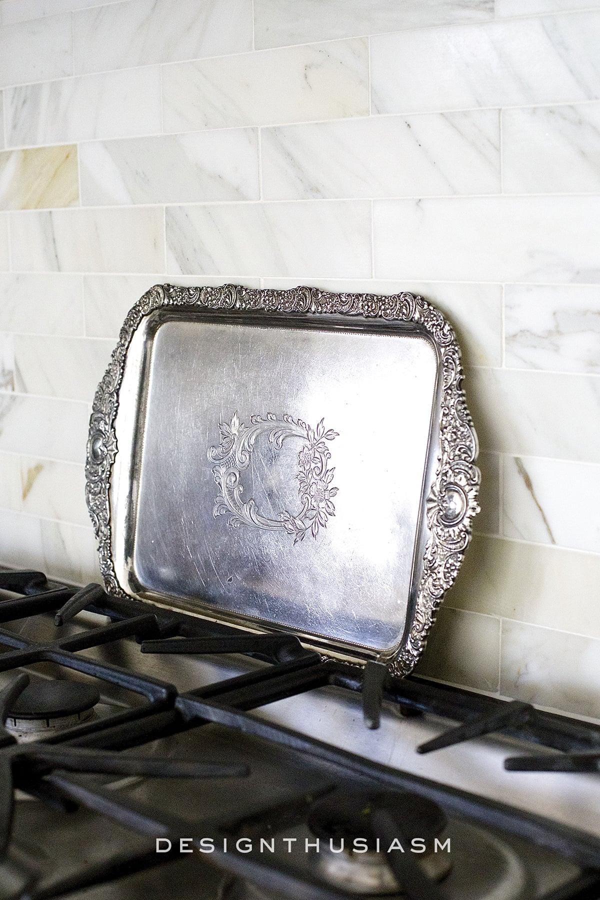 Calcatta gold marble backsplash | kitchen renovation | Designthusiasm.com