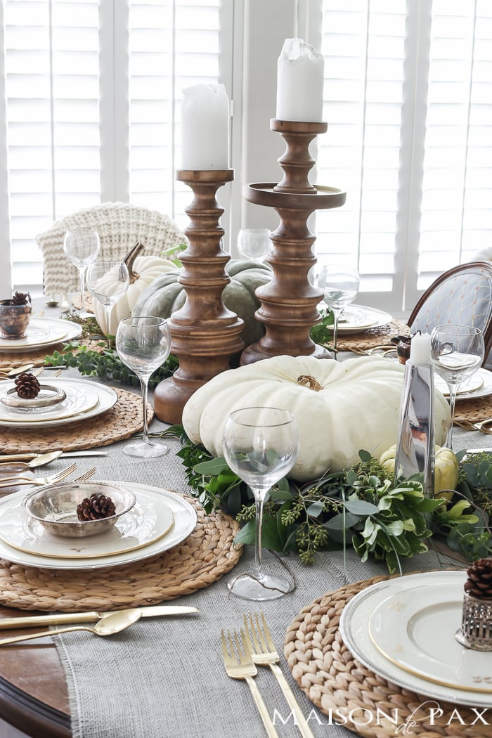 maison-de-pax-green-and-white-thanksgiving-table