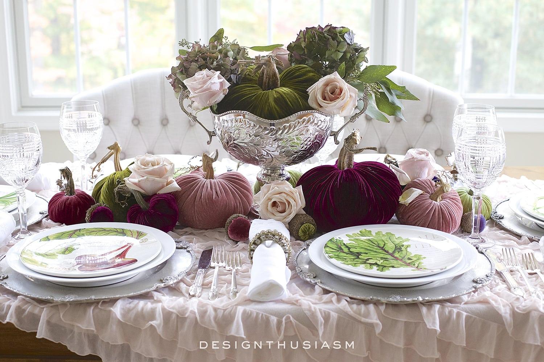 Fall Table Decor Using Velvet Pumpkins In An Elegant Fall Tablescape
