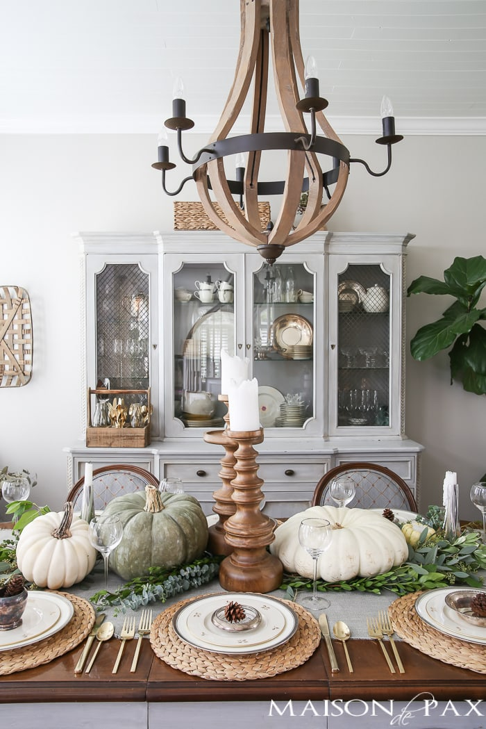 green-and-white-thanksgiving-table-11