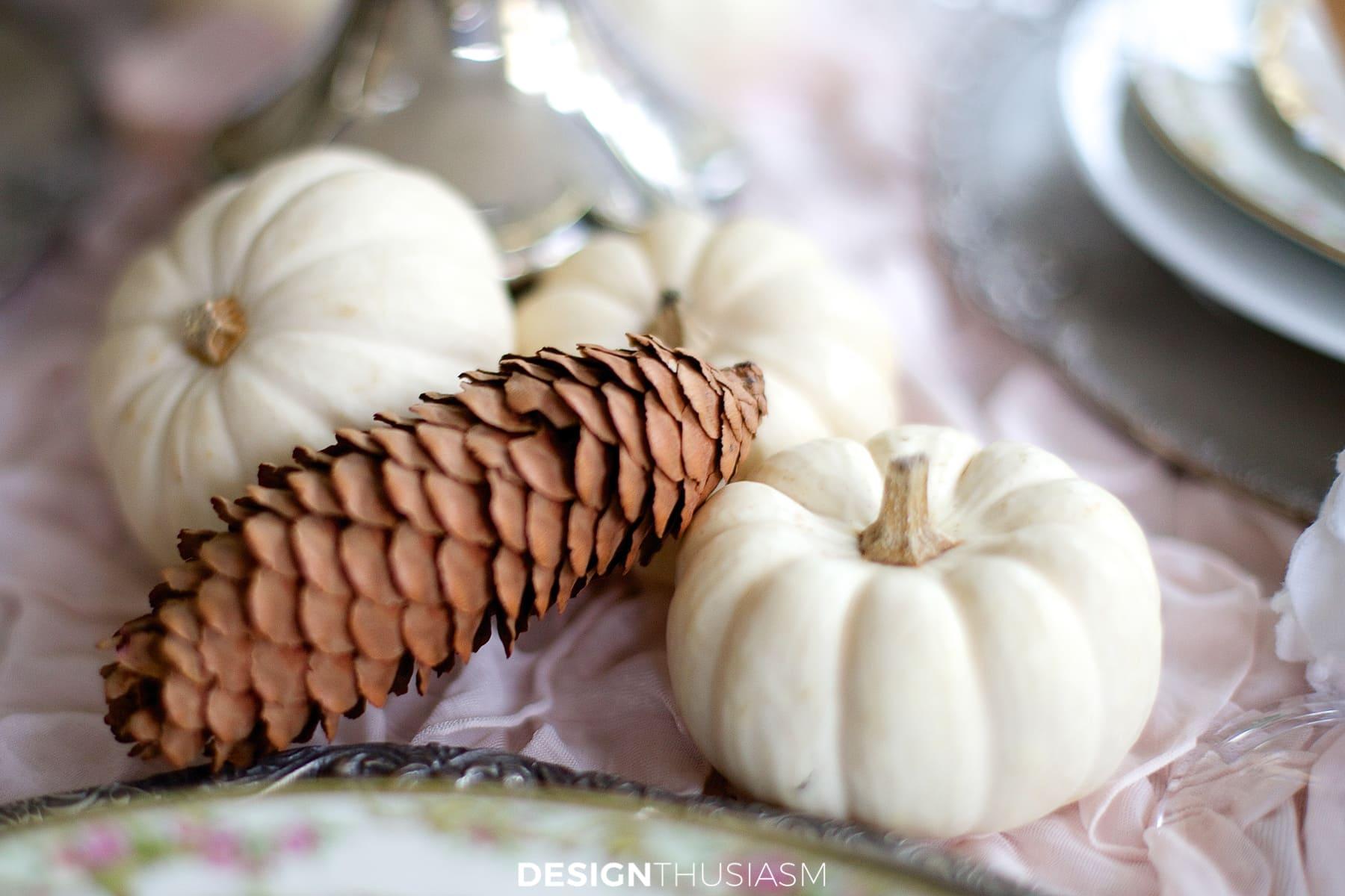 soft vintage thanksgiving table pumpkins