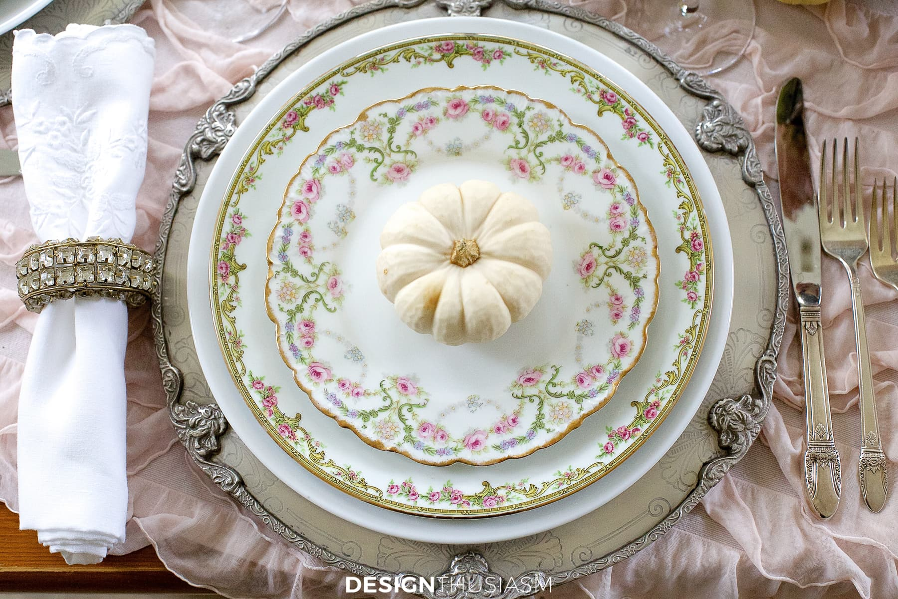 soft vintage thanksgiving table plates