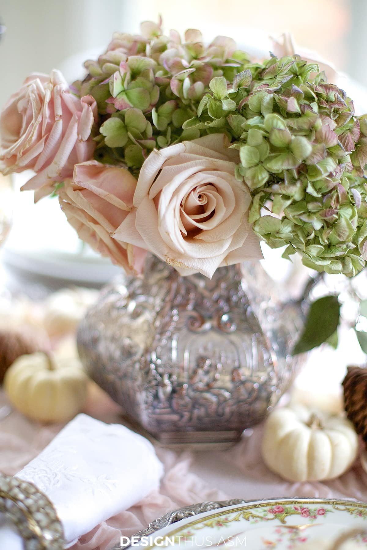 soft vintage thanksgiving table flowers