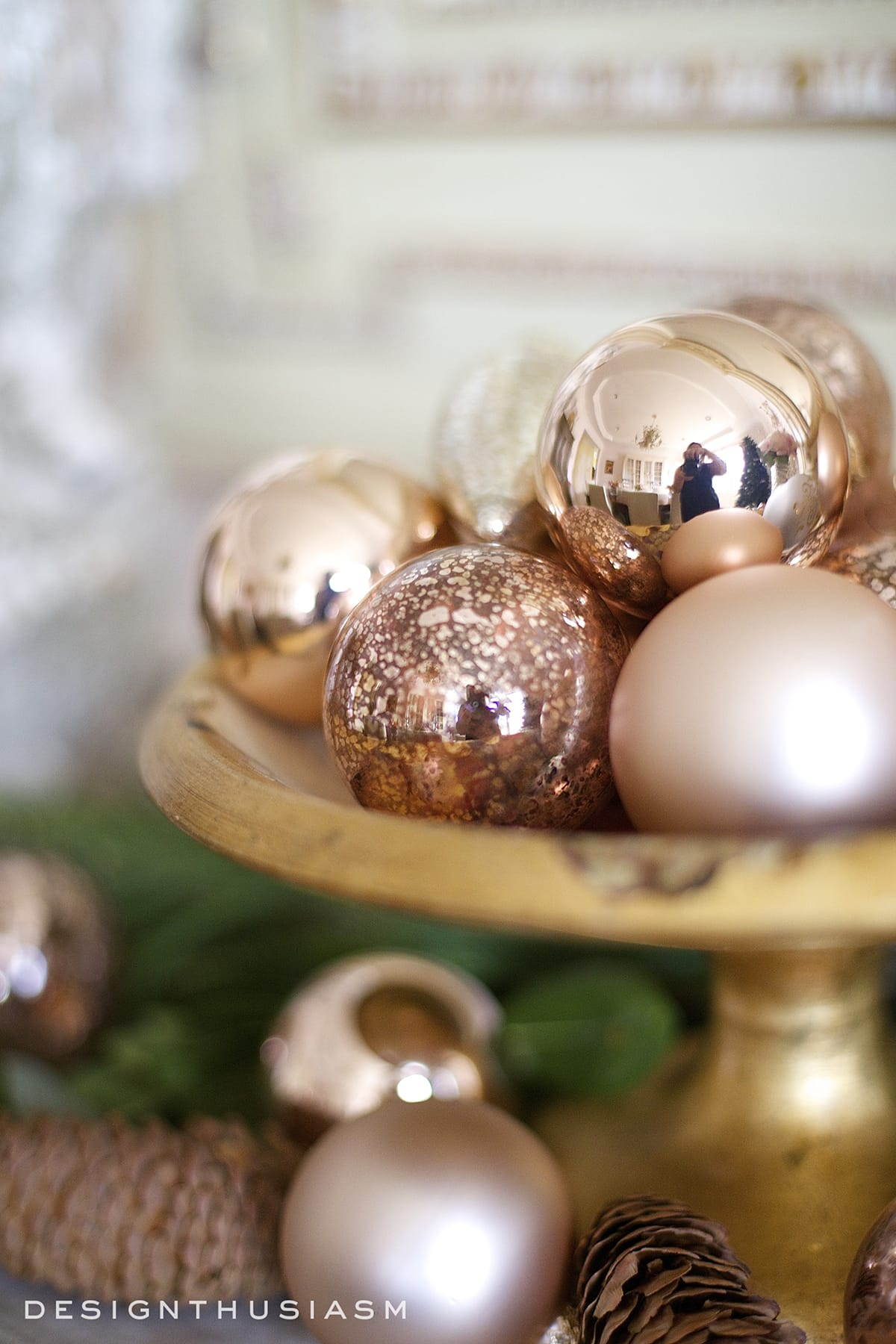 Using Rose Gold Christmas Decorations For A Warm Holiday