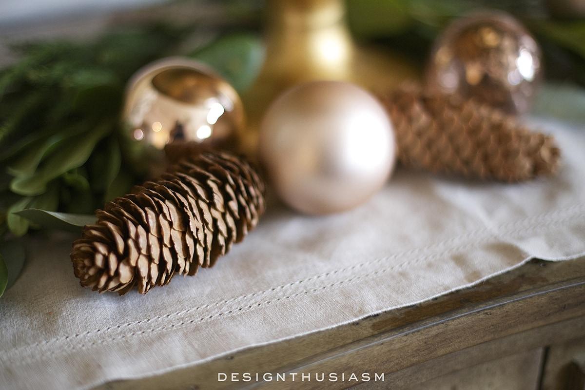 Rose gold Christmas decor | Designthusiasm.com