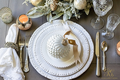 simple-elegant-christmas-place-setting-randi-garrett-design