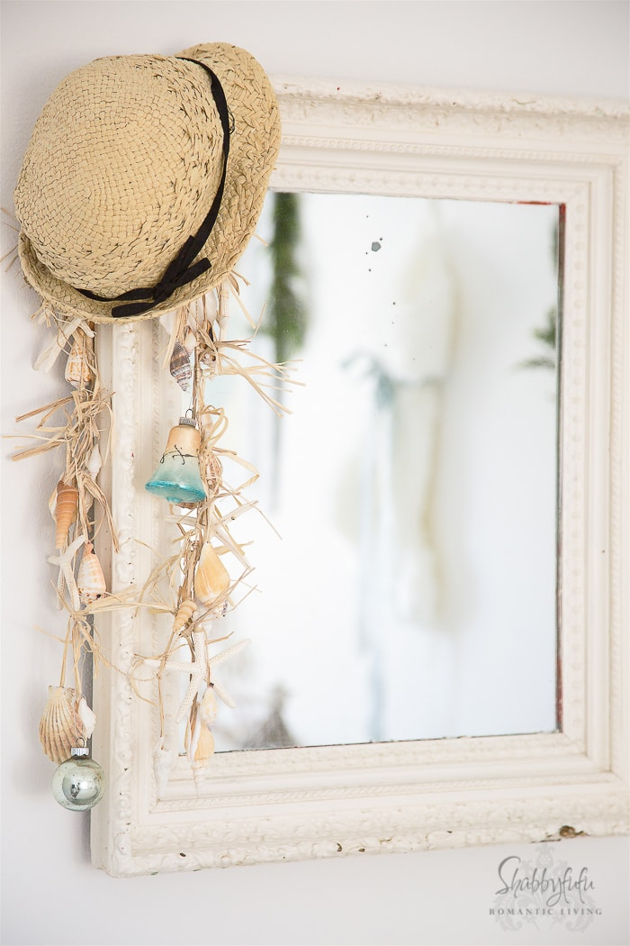 beach-house-coastal-christmas-decorating-shabbyfufublog-2