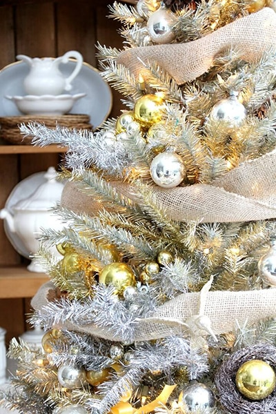 christmas-tree-silver-gold-kitchen-my-soulful-home