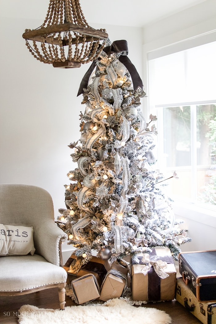 flocked-christmas-tree-neutral-decor-so-much-better-with-age