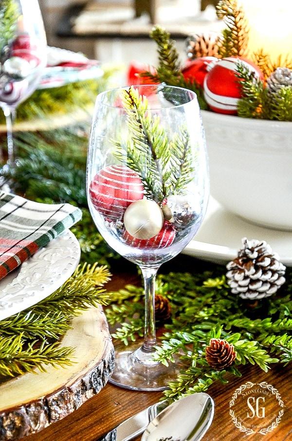 CHRISTMAS BRUNCH TABLESCAPE-stonegableblog