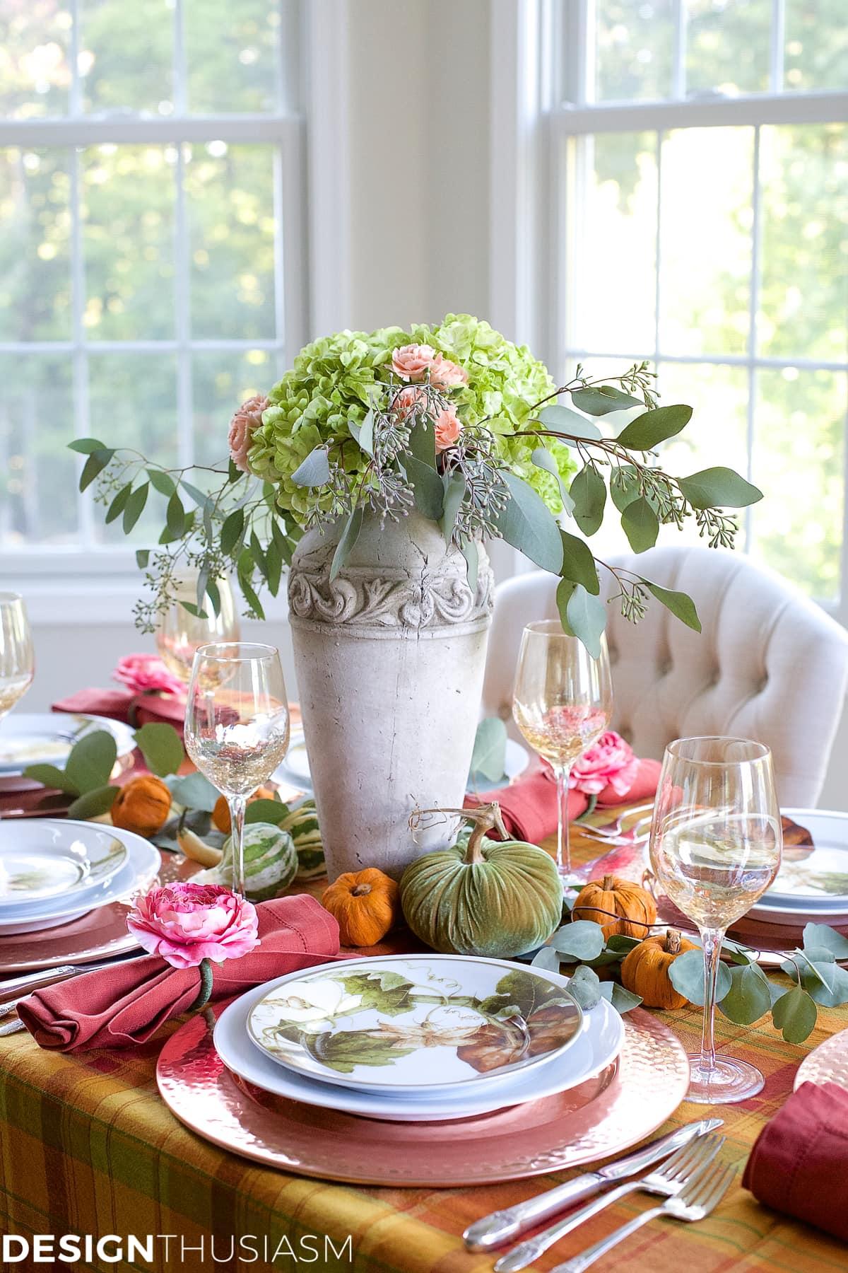 A Year of Seasonal Tablescapes Designthusiasm.com