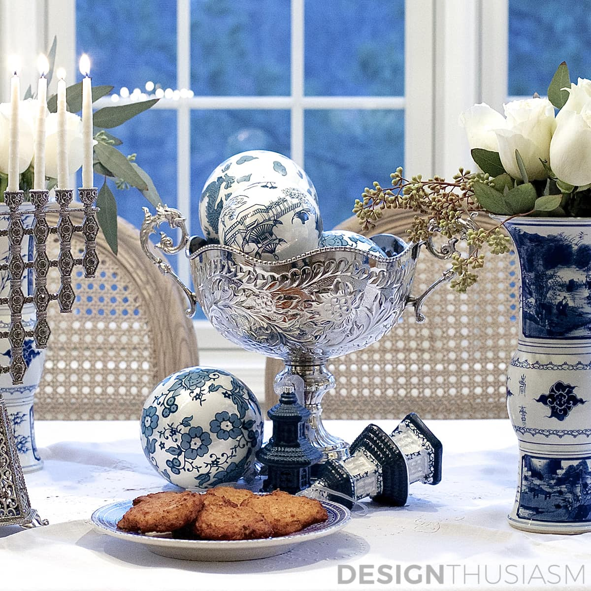 Using Blue and White Chinoiserie for Hanukkah Decorations | Designthusiasm.com