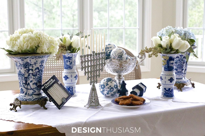 Using Blue and White Chinoiserie for Hanukkah Decorations | Designthusiasm.com