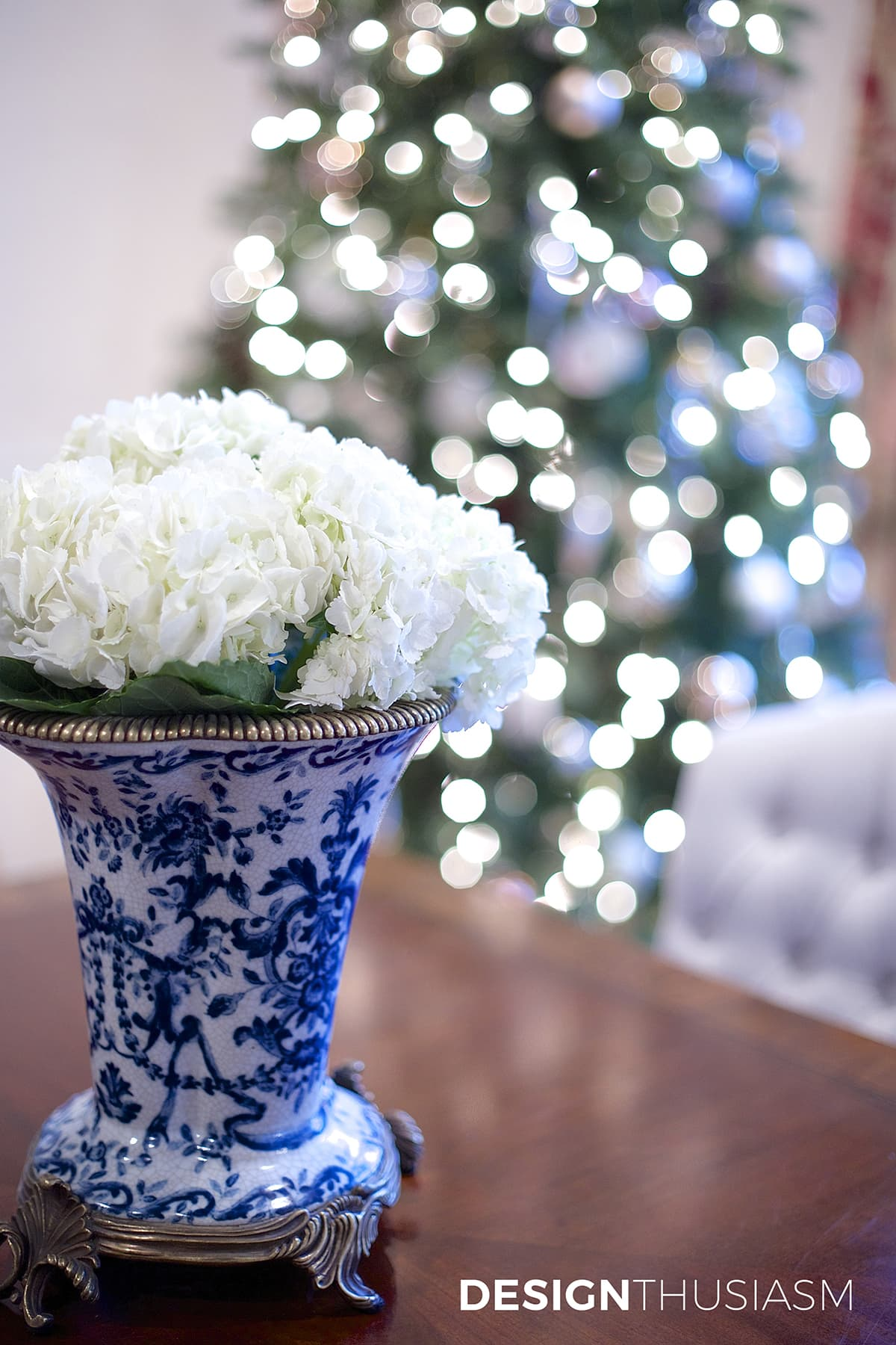 Add Personal Style to Your Christmas Tree Decorating   Designthusiasm.com
