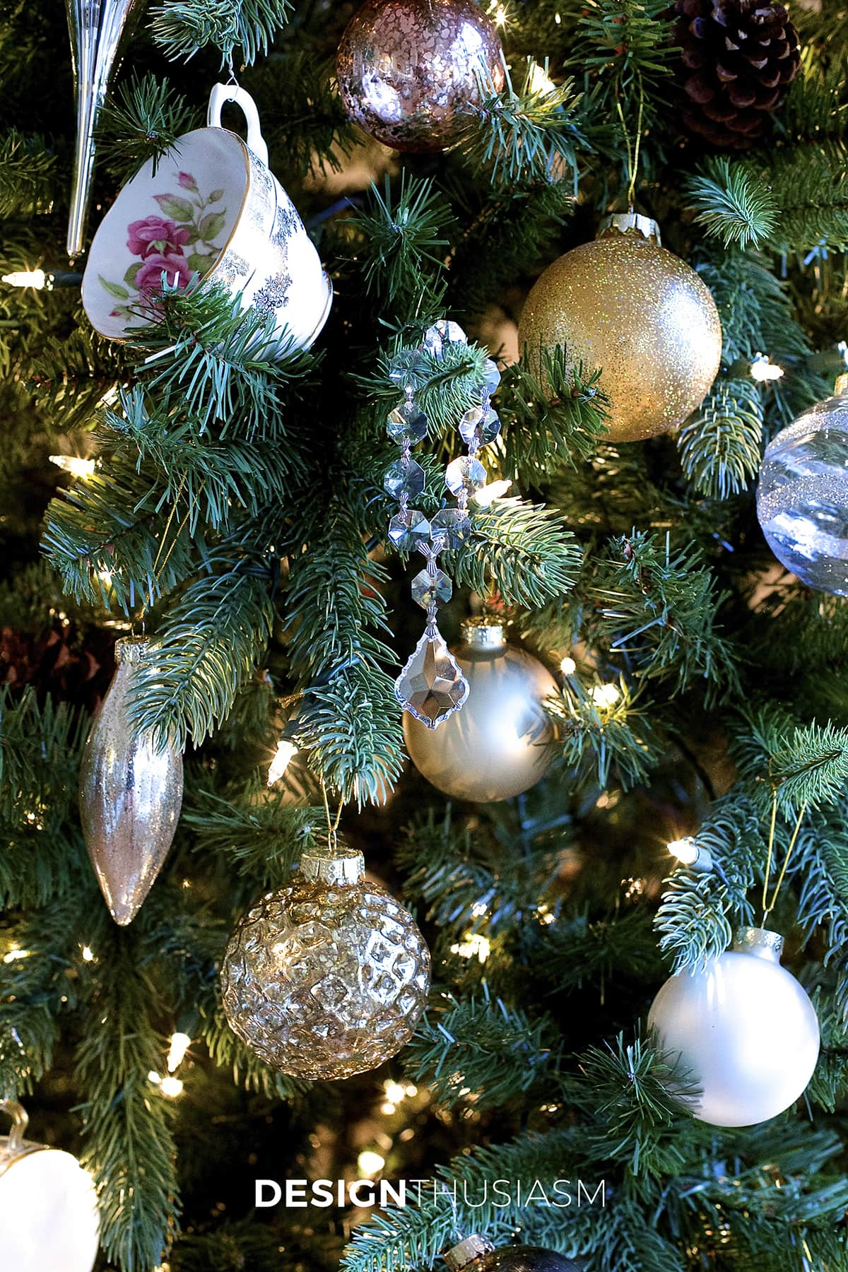 Add Personal Style to Your Christmas Tree Decorating | Designthusiasm