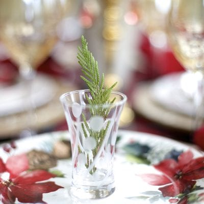 How to Create a Cozy Christmas Tablescape with Floral and Plaid