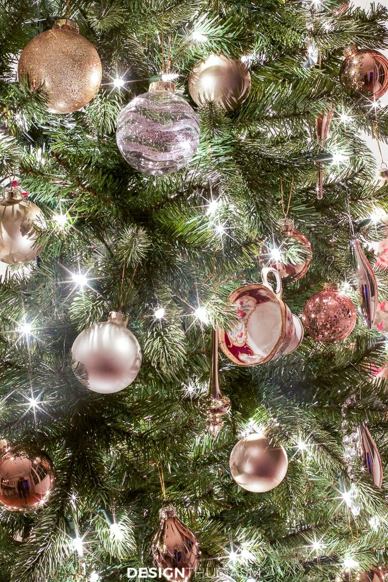 Christmas night lights on the tree