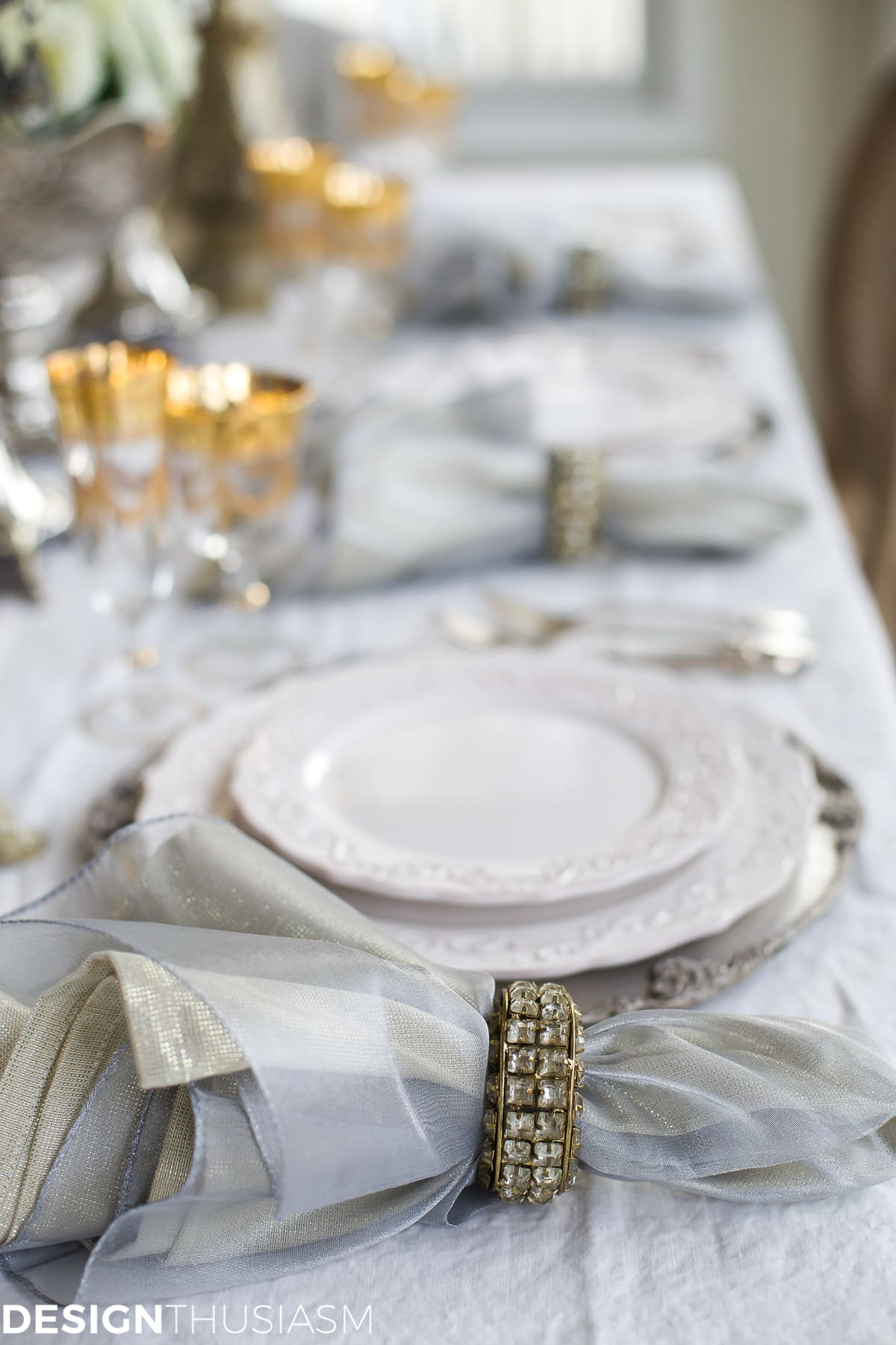 new year 39 s day brunch table setting mixing gold and silver. Black Bedroom Furniture Sets. Home Design Ideas
