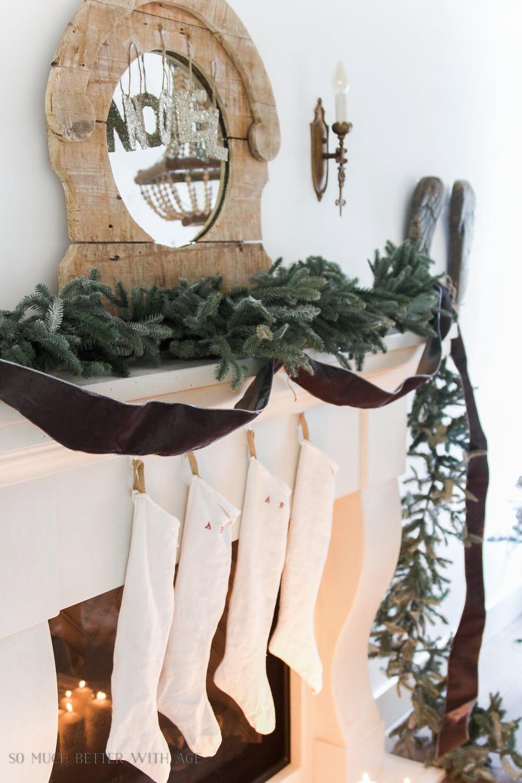 christmas-garland-mantel-grey-velvet-ribbon-104