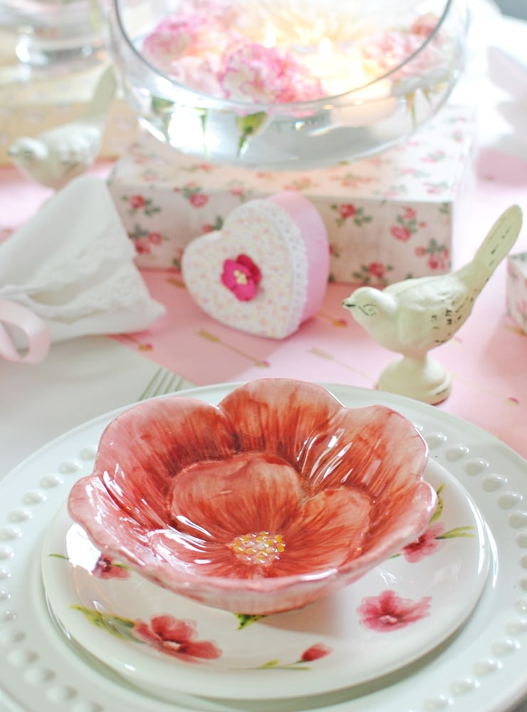 TCL-Valentine-Table-Setting