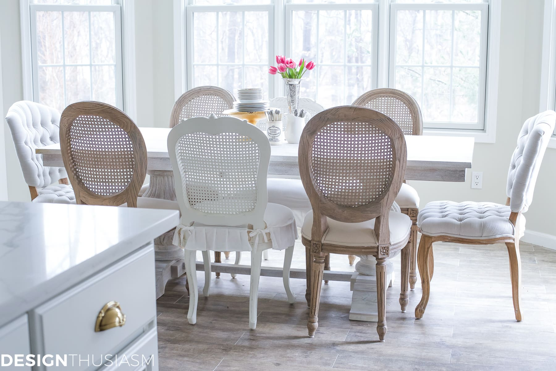 Transforming the Breakfast Room with The Perfect Dining Table | Designthusiasm.com