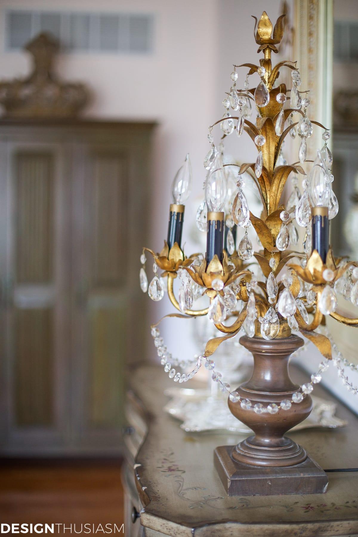 Elegant dining rooms | vintage crystal candelabra | Designthusiasm.com