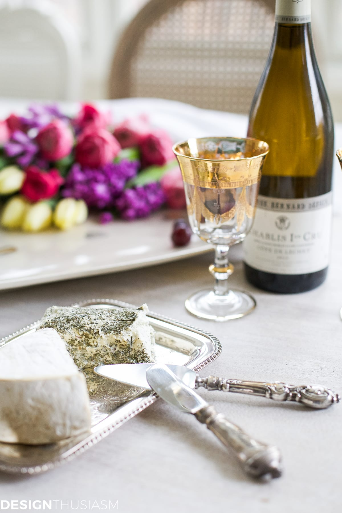 Wine and cheese party: easy entertaining for drop-in guests | Designthusiasm.com