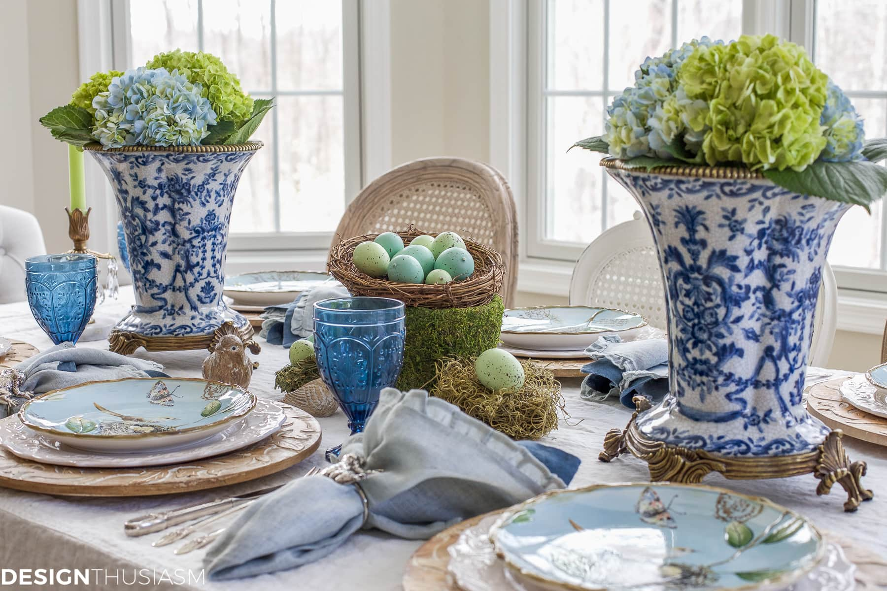Elegant easter table decorations for a holiday brunch - Table easter decorations ...