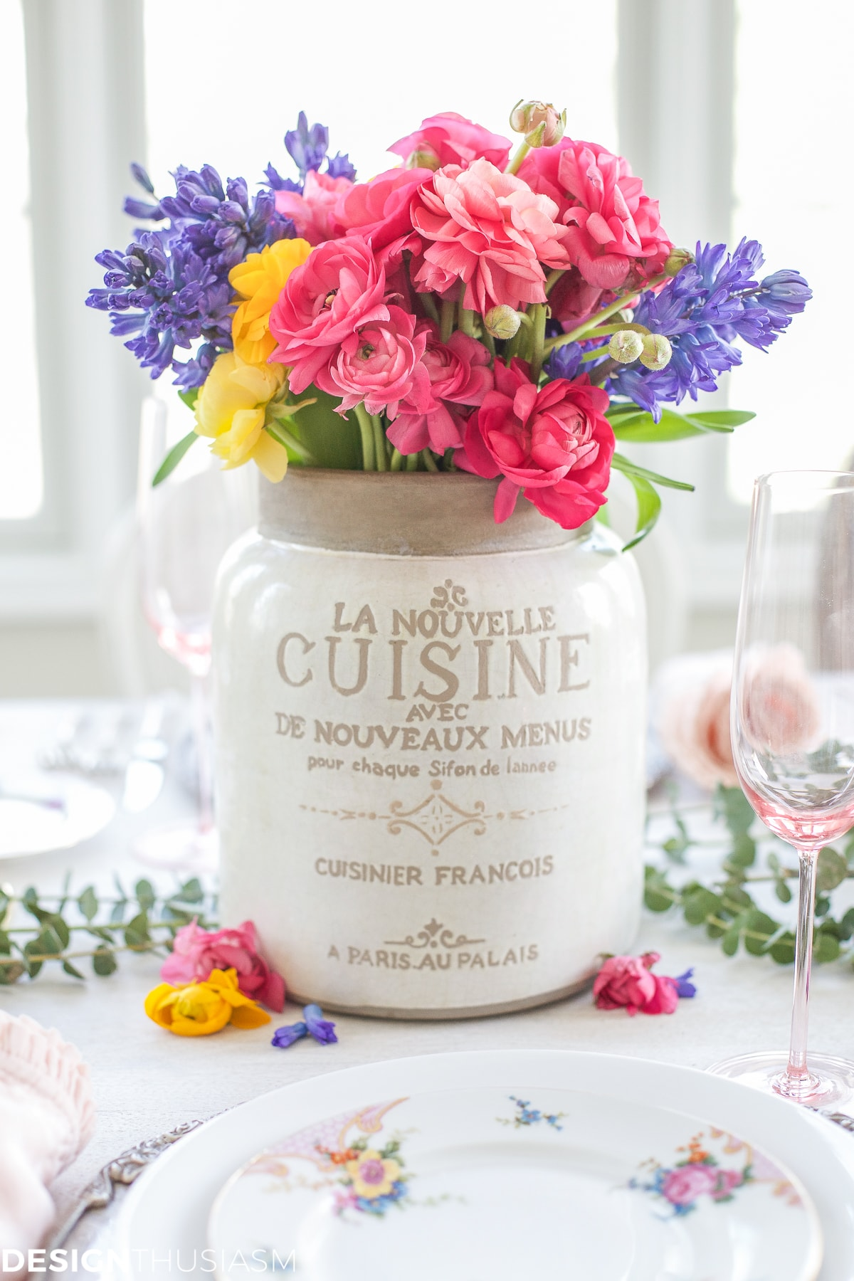Spring Flower Arrangements Add Color To A Seasonal Tablescape