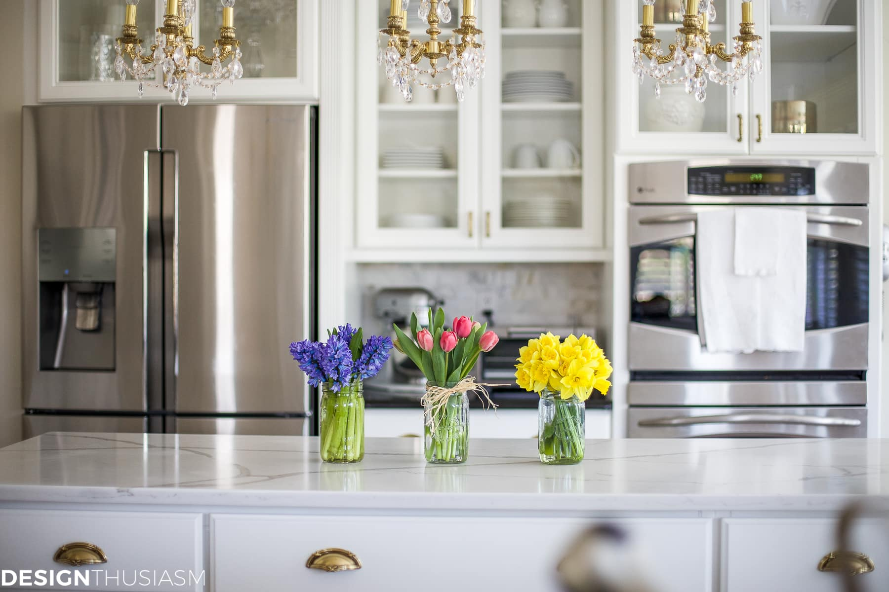 Spring room decor 6 ways to add spring cheer to your kitchen for Ways to decorate kitchen