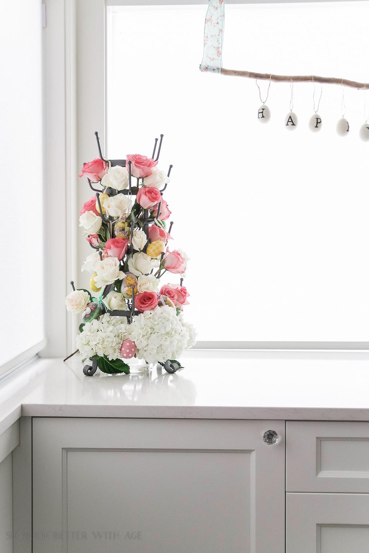somuchbetterwithage-floral-centrepiece