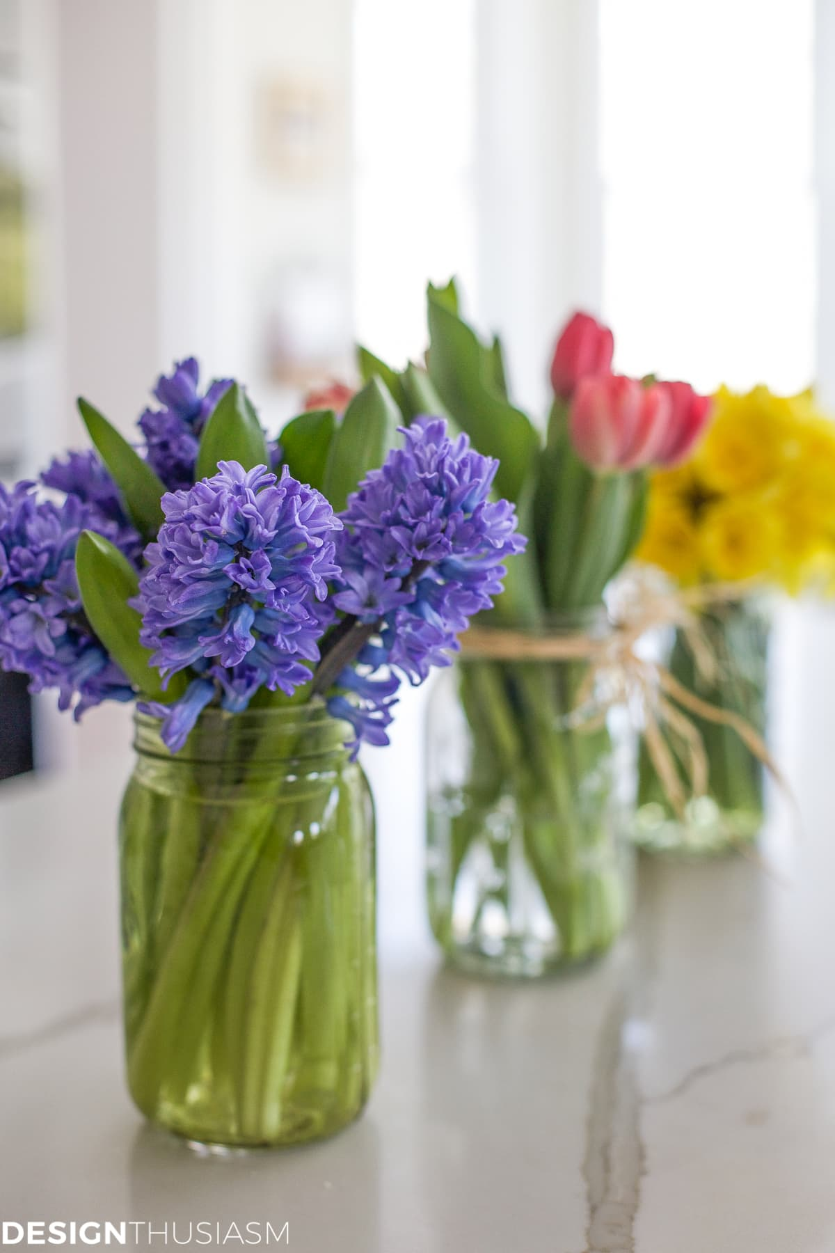 Spring Centerpieces Using Mason Jars : Using mason jar centerpieces to add color your table