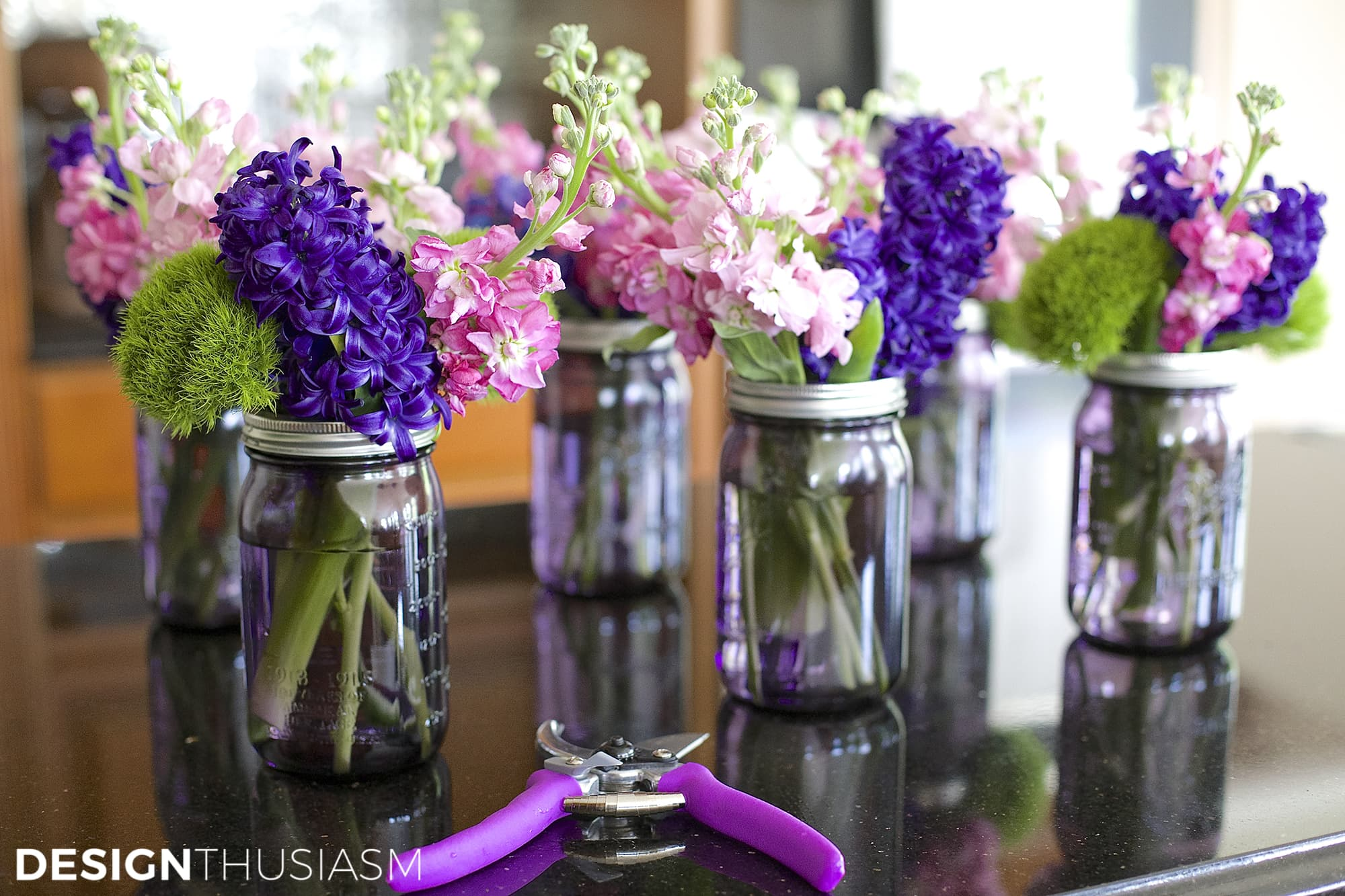 Centerpiece Ideas Using Mason Jars : Using mason jar centerpieces to add color your table