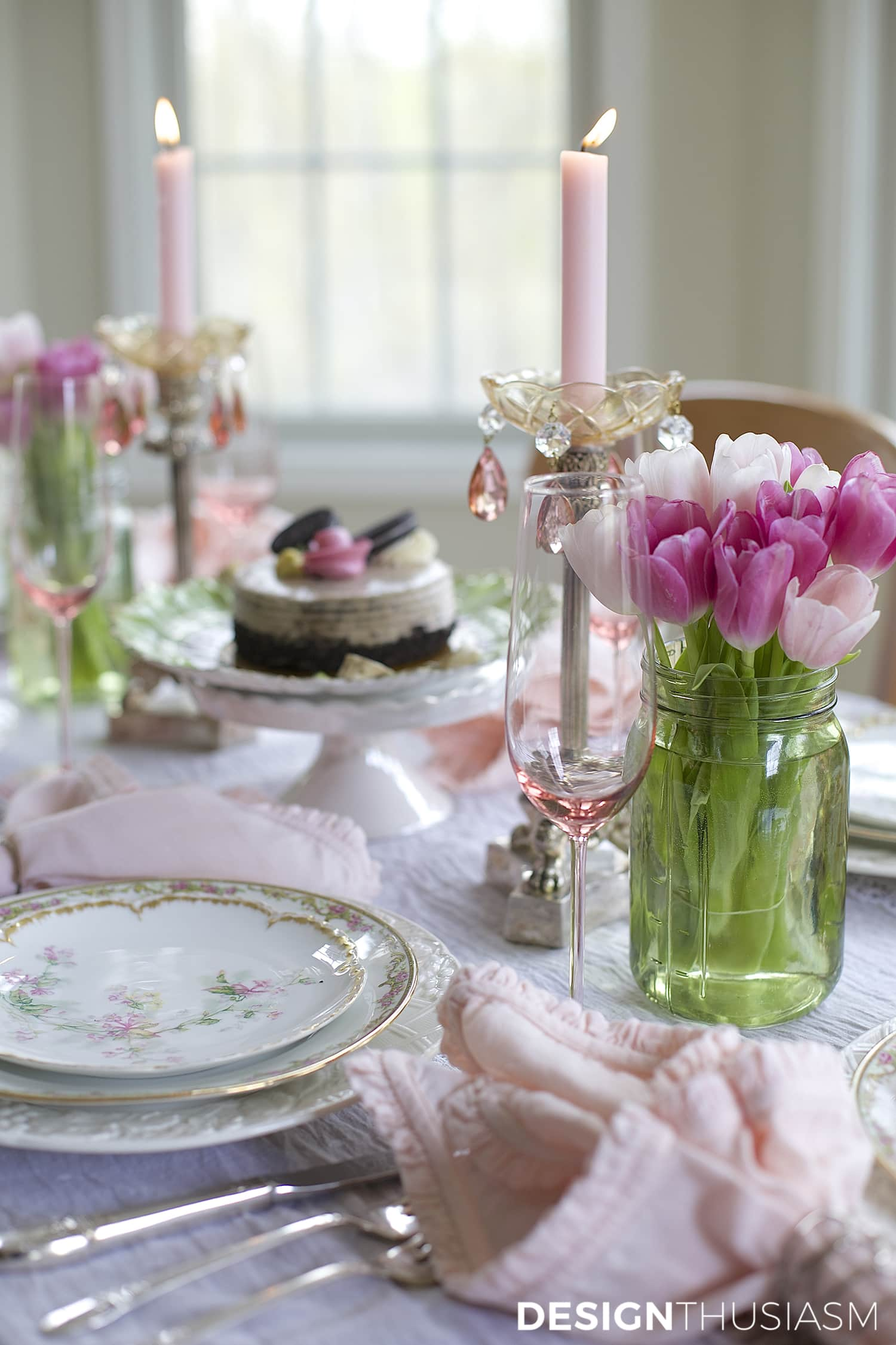 Using mason jar centerpieces to add color your table