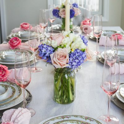 Spring Table Setting: Pretty Pastels for a Sweet Occasion