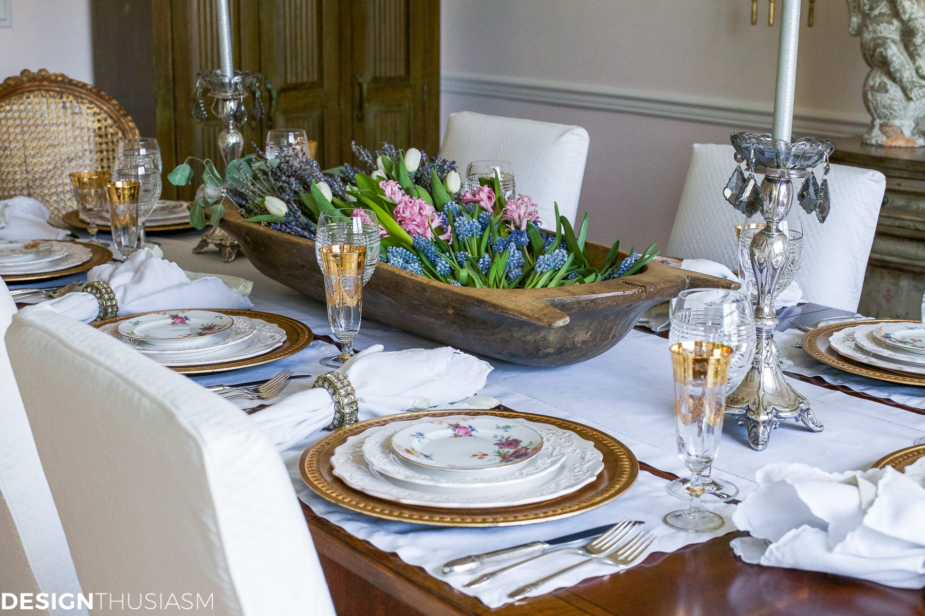 Setting a dining table to reflect your french country style Dinner table setting pictures