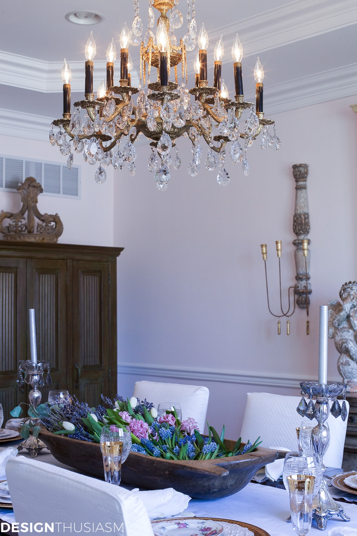Setting a Dining Table to Reflect Your French Country Style - designthusiasm.com
