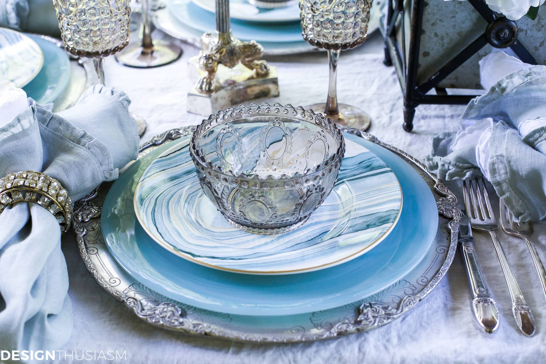 Seaside Decor | Setting a Summer Table with Coastal Dinnerware - designthusiasm.com & Seaside Decor: Setting a Summer Table with Coastal Dinnerware