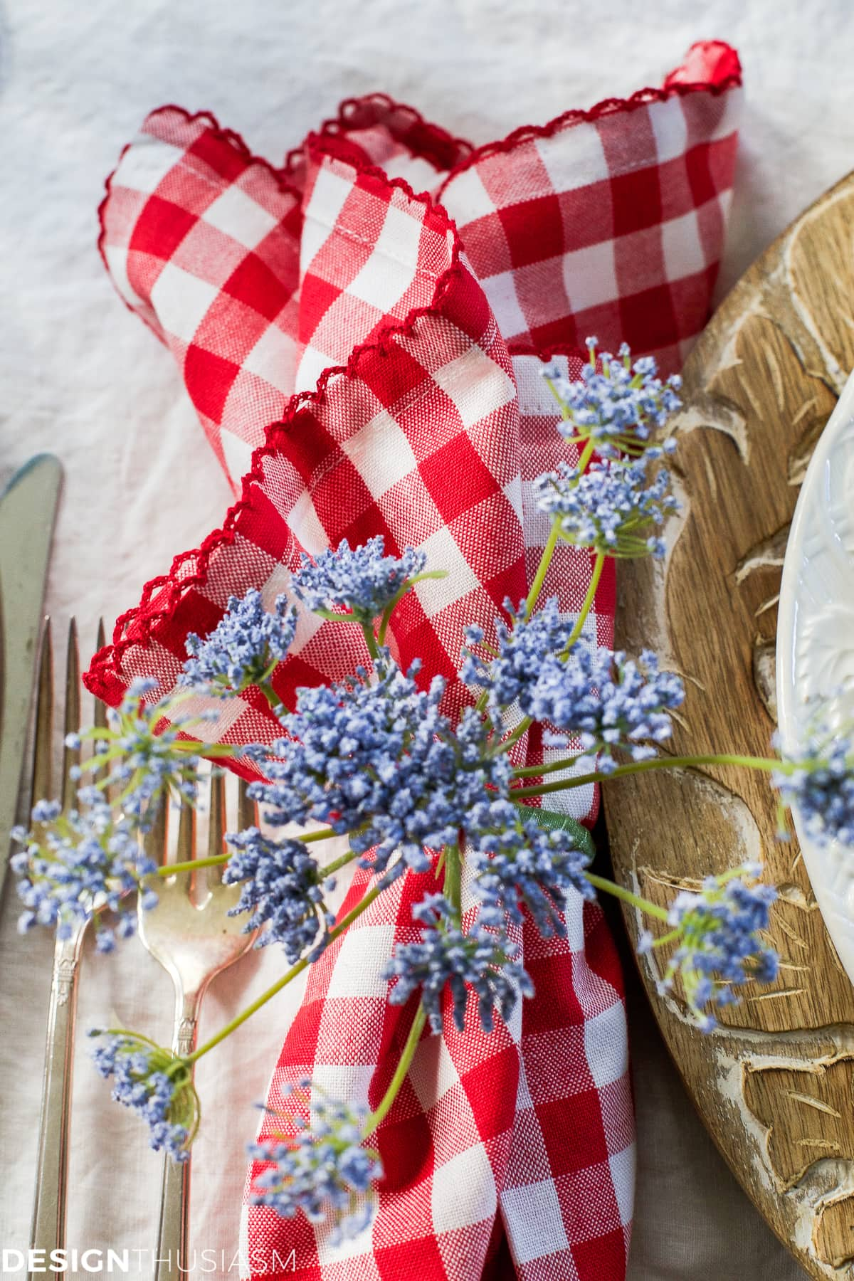 Garden party decorations | Tabletop tips for summer entertaining - designthusiasm.com