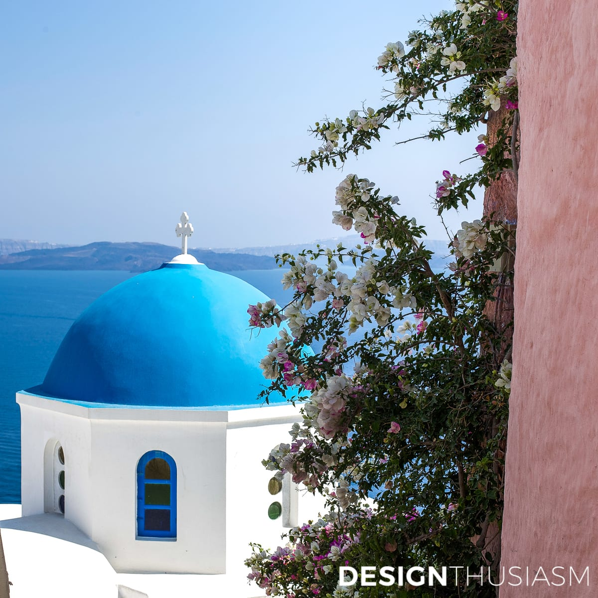 Summer Travel | One of the Most Beautiful Places in the World to Visit | Santorini - designthusiasm.com