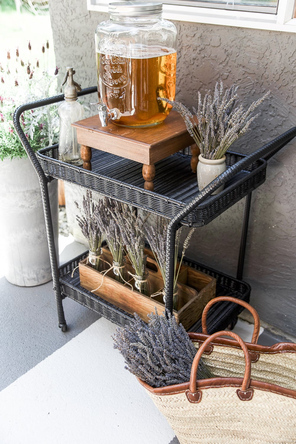 outdoor-lavender-table-somuchbetterwithage-101