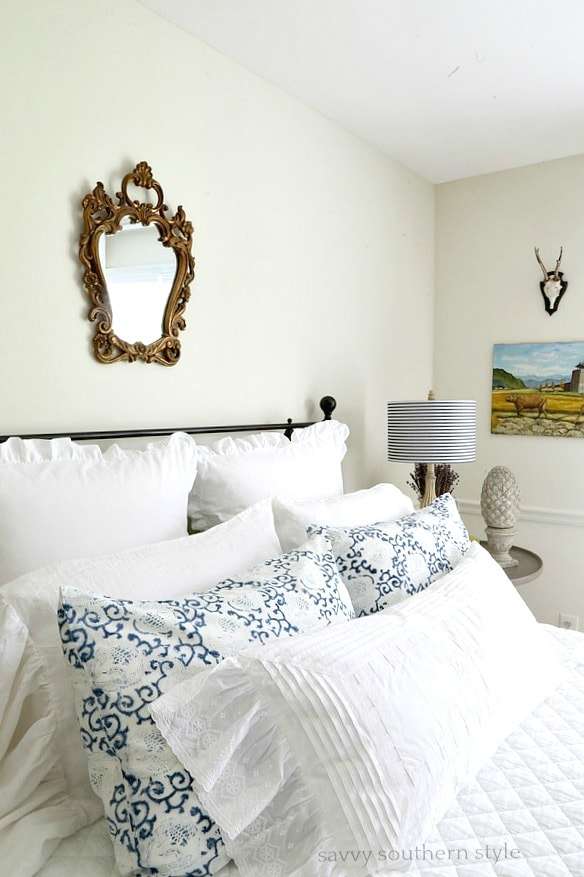 blue-summer-guest-room