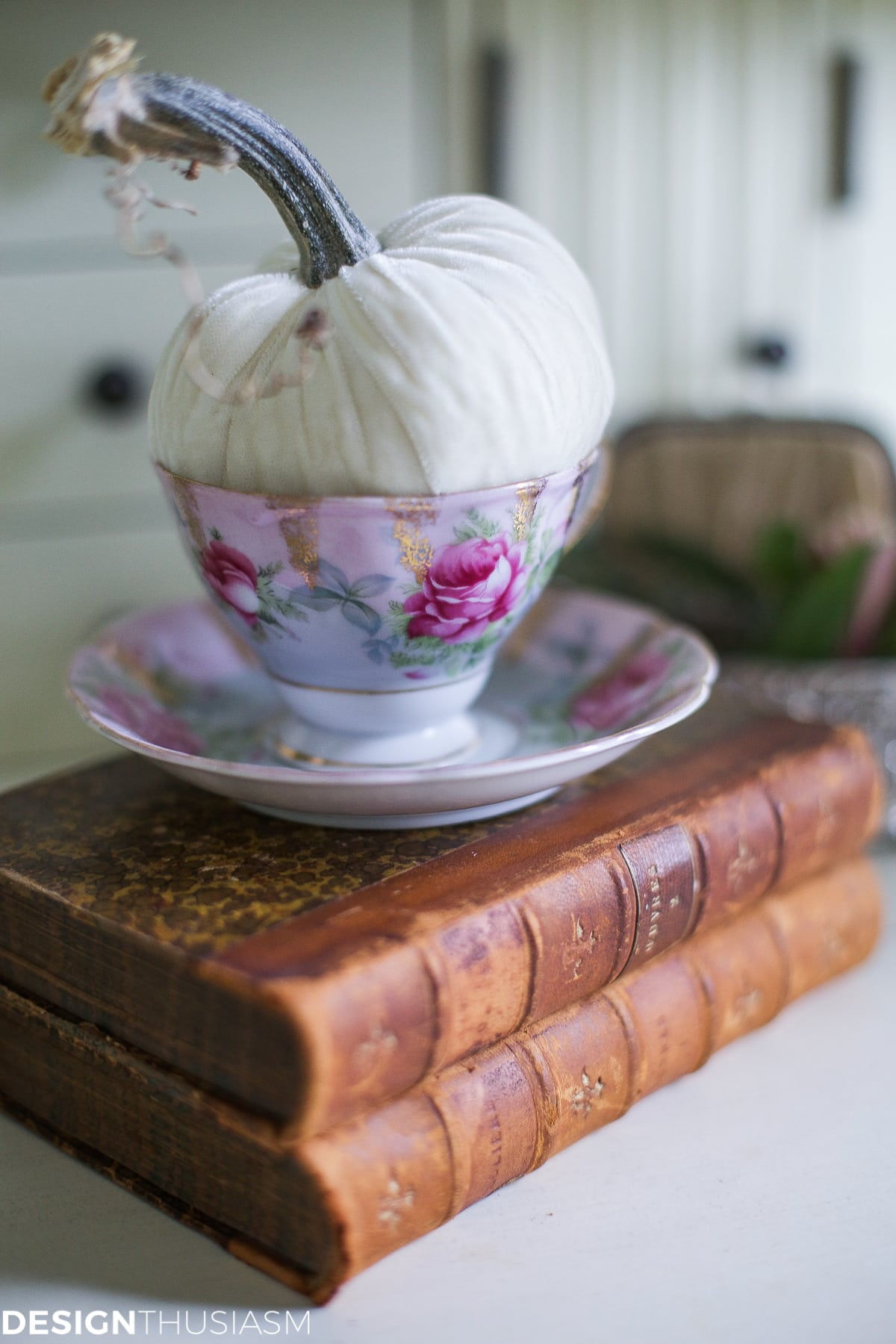 Introducing Fall Decor to Your Home with Neutral Pumpkin Styling - designthusiasm.com